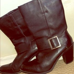 Leather Buckle Cowboy Boots, Black. size 9 1/2.